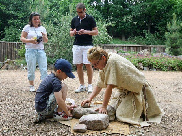 Plzeňská zoo ožila o víkendu pravěkem