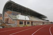 Výstavba atletického stadionu ve Skvrňanech