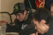 Studenti Hotelové školy Plzeň uvařili bezdomovcům