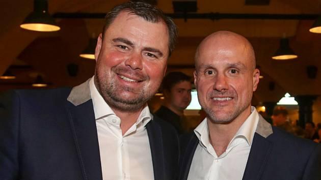 Jaroslav Špaček na snímku vlevo spolu s Martinem Strakou.
