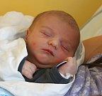 Adam Kristek se narodil 9. července v 15:01 mamince Veronice a tatínkovi Lubomírovi z Plzně. Po příchodu na svět v Mulačově nemocnici vážil prvorozený syn 3300 gramů.