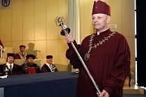 Inaugurace nového rektora ZČU, kterým se stal Miroslav Holeček.