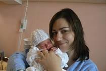 Tereze a Janu Kotalovým zPlzně se 26. 10. ve 4.48 hod. narodil ve FN prvorozený syn Honzík (4,56 kg, 49 cm)