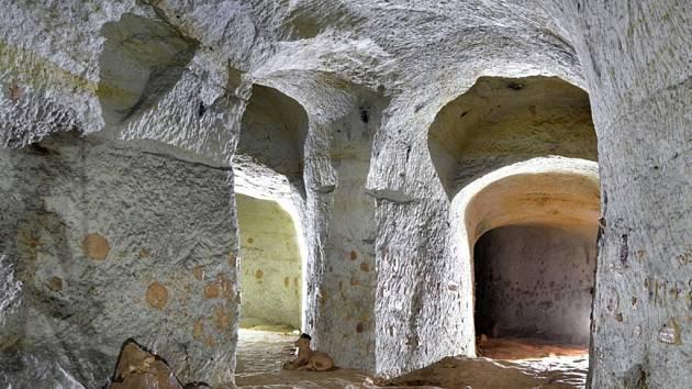 Kaolinový dům v Nevřeni, to je doslova labyrint chodeb, který nadšence láká celé roky.