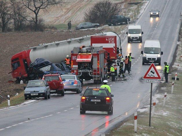 Tragická nehoda na silnici I/20 u severoplzeňských Popovic