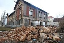 Demolice objektů v areálu bývalých kasáren na Světovaru