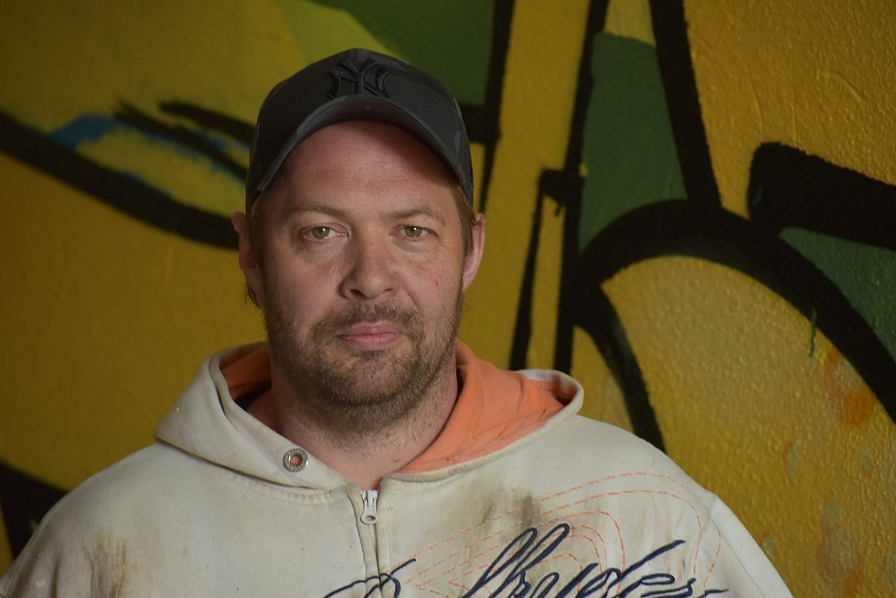 Ústecký writer Tomáš Jelínek se podepisuje jako Sake 33.