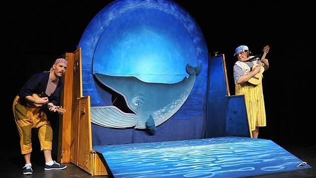 Z představení Kolíbá se velryba.