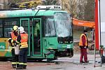Nehoda tramvaje a nákladního vozidla u Severky v Plzni.