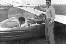 Václav Krejsa je členem staňkovského aeroklubu od roku 1947. Létal do svých sedmdesáti let.