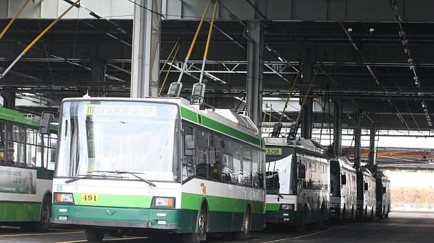 Trolejbusy už jsou v novém depu