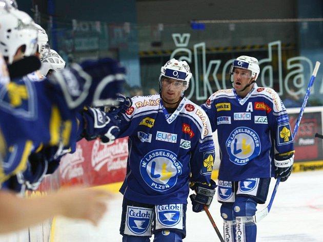 Ve třetím kole hokejové extraligy porazila Plzeň na domácím ledě pražskou Spartu 6:4