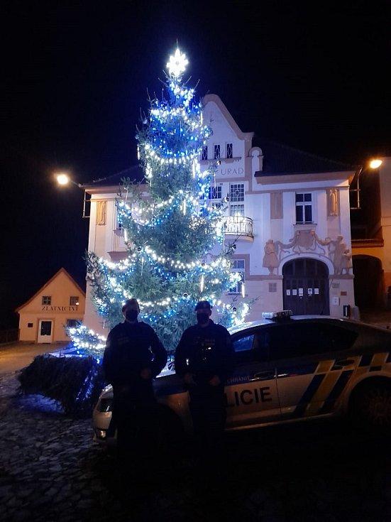 Vánoční strom v Nepomuku od Policie ČR