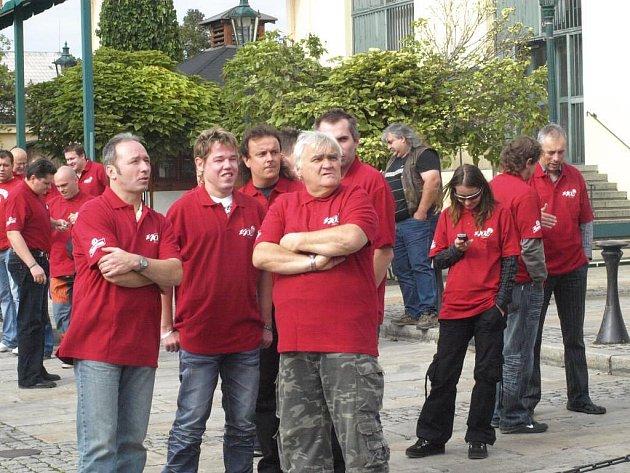 Setkání pracovníků firem sanitujících pivní vedení v Plzeňském Prazdroji