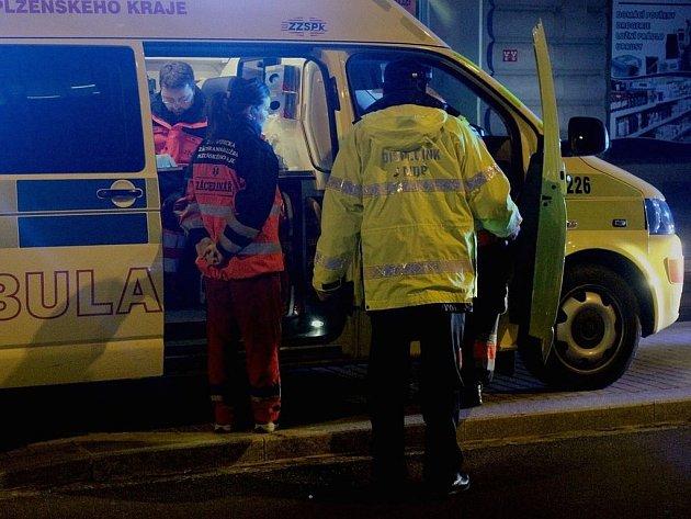 Sraženého chodce z místa odvezla záchranná služba.