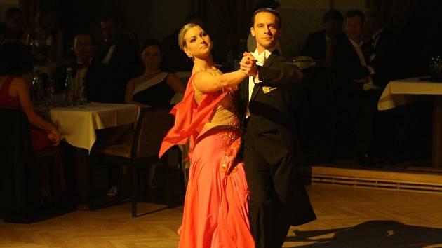 Golfový ples v Měšťanské besedě v Plzni