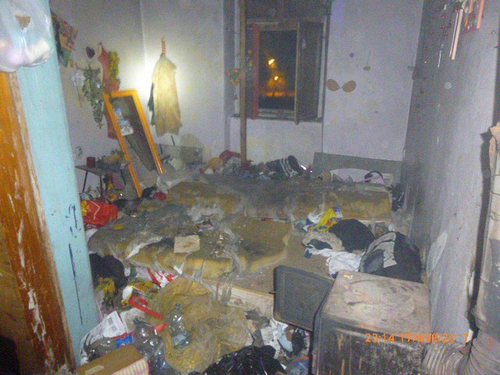 Dům v Prokopově ulici, kde propukl v noci požár