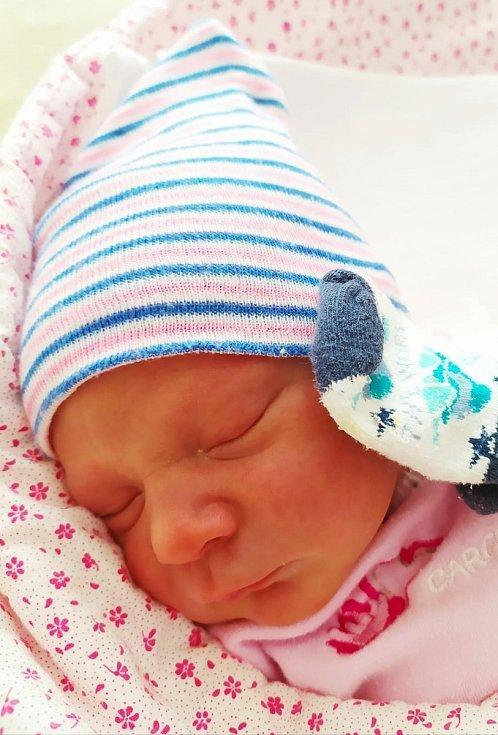 Eliška Ceplechová z Mileče se narodila 17. února 2021 ve 12:02 hodin rodičům Radce a Jiřímu. Po příchodu na svět ve FN Lochotín jejich holčička vážila 3320 gramů a měřila 50 centimetrů.