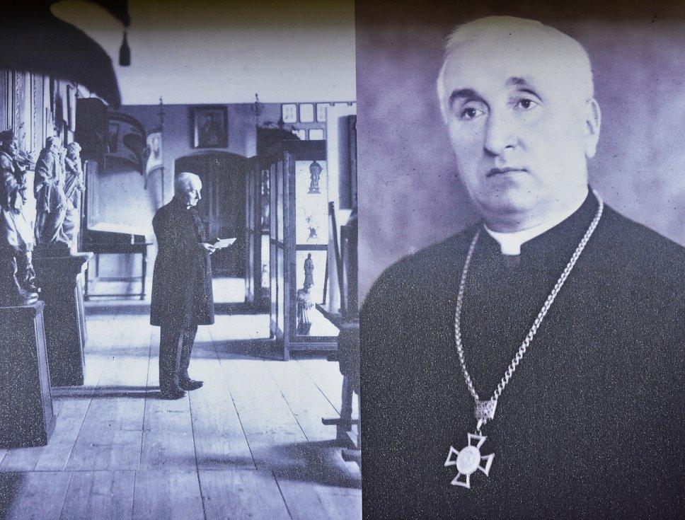 Páter Jan Strnad, zakladatel Svatojánského muzea v Nepomuku.