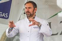 Kuchař Emanuele Ridi vystoupil s kuchařskou show na Festivalu Regionálních potravin Plzeňského kraje.