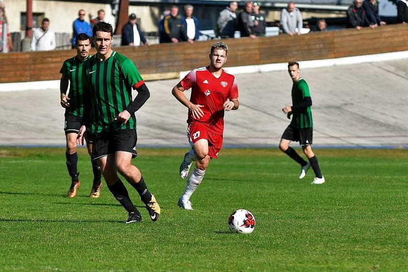 11. kolo divize: Petřín (červení) vs. Rokycany 4:0.