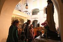 Plzeňské kostely v pátek večer navštívilo okolo třinácti tisíc lidí.