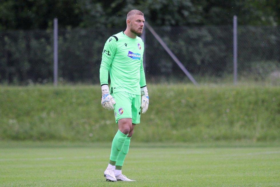 Jindřich Staněk se v létě zranil v zápase s rumunským Sepsi, ale teď už je zpátky a dokonce má za sebou premiéru v národním týmu.