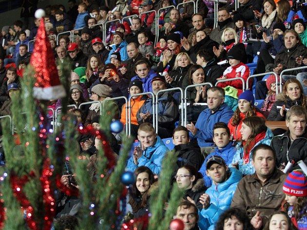 Viktoria Plzeň  připravila na dnešek Vánoční setkání s fanoušky v Doosan Areně.