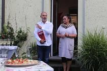Výstava Sochobásně Ivana Langera dorazila do Plzně.