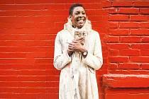 Helga Davis bývá označována jako múza amerického avantgardního divadelníka Roberta Wilsona.