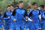 Mládež fotbalové Viktorie Plzeň se od minulého týdne připravuje na novou sezonu. Hráči už trénují v nových věkových kategoriích.