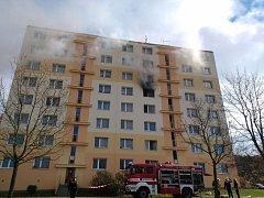 Na Doubravce hořel panelový dům