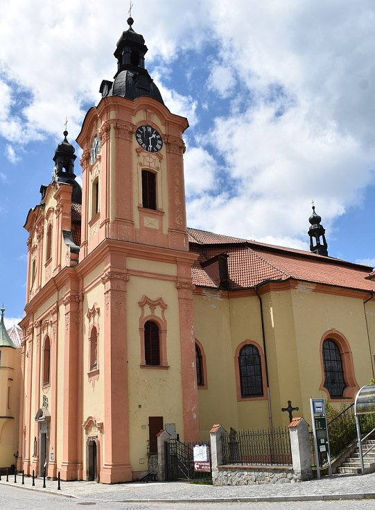 Kostel sv. Jana Nepomuckého v Nepomuku.