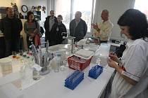 Ve Vodohospodářské laboratoři v Plzni se v sobotu sešli příznivci čisté vody.