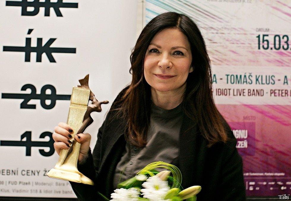 Tři nominace na vítězství v 29. ročníku hudební ankety Žebřík získala zpěvačka Anna K.