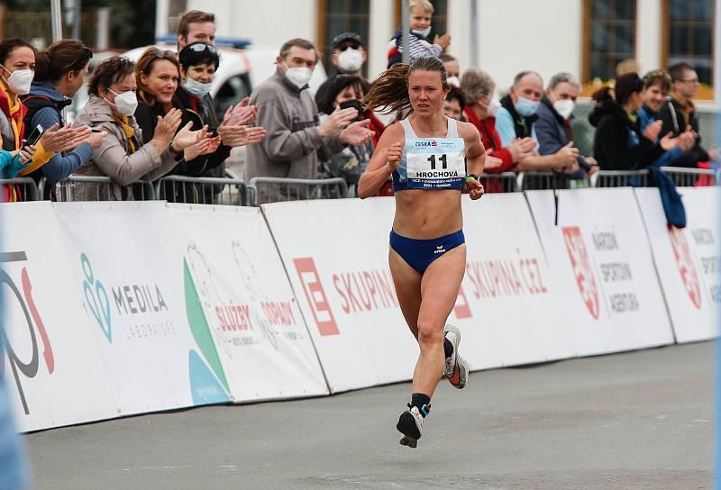 Tereza Hrochová při dubnovém mistrovství České republiky v půlmaratonu.