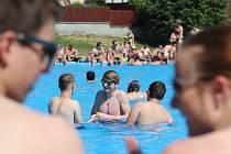 Zahájení sezony na koupališti v Tlučné.