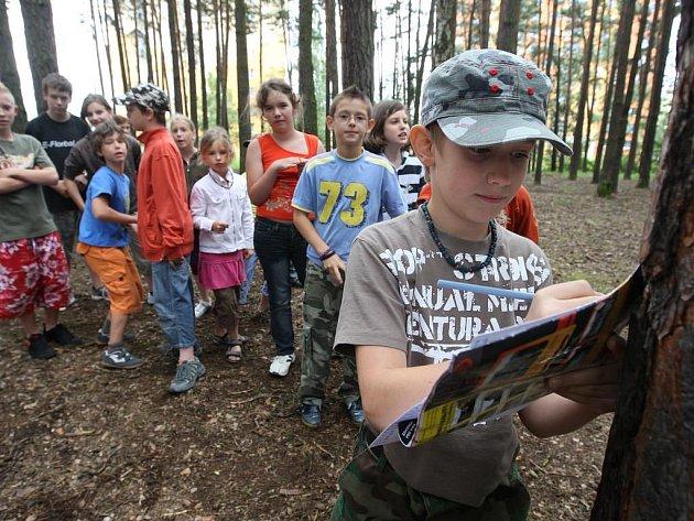 Začátek svých prázdnin stráví několik desítek dětí na příměstském táboře hraním her a nejrůznějšími výlety