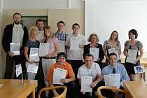 Doktorandi ze Západočeské univerzity, kteří získali certifikát Science Communication. Cílem kurzu, na jehož organizaci se podílela i plzeňská Techmania, je propagace vědy