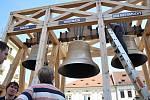 Do Plzně dorazil Hroznata. Třetí zvon pro katedrálu