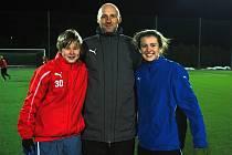 Karel Rada dohlíží na fotbalový růst dcery Adély (vlevo) i neteře Michaely ve Viktorii i  reprezentaci