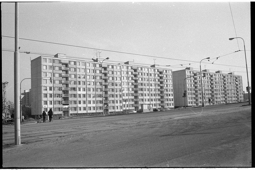 Panelové domy v Gerské ulici v roce 1983.