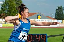 Lenka Valešová v závodu koulařek, kde získala bronz.