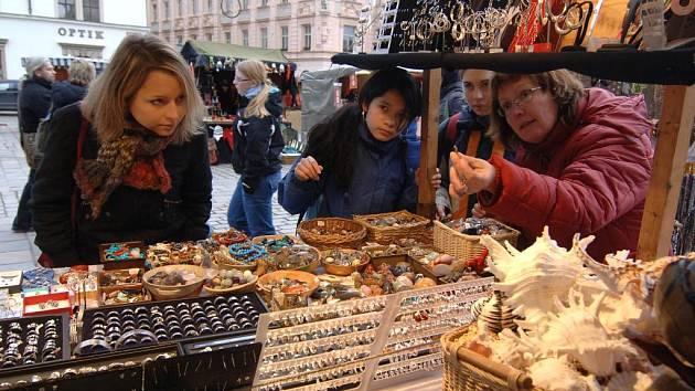 Na náměstí Republiky začal vánoční trh