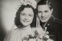 Svatební foto Anny Plzákové a Howarda Klitgaarda.