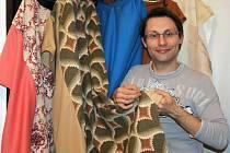 Marian Bradáč je účetní, ale ve svém volnu šije kostýmy pro koledníky Tříkrálové sbírky