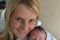 Žanetka Veselá zHolýšova (2,80 kg/46 cm), která se narodila 12. června třicet minut po třinácté hodině ve Stodské nemocnici, je prvorozenou dcerou rodičů Petry a Tomáše