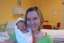 Anetka (3 kg, 50 cm), která se narodila 18. listopadu v11.34 hod. vMulačově nemocnici, je prvorozená dcera maminky Kamily Márové a tatínka Václava Křivana zChotěšova