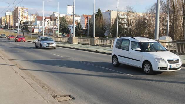 Most na Rokycanské třídě v Plzni