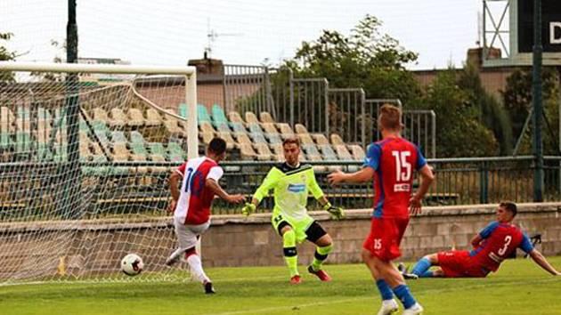 DVĚ BRANKY vstřelil do sítě Viktorie v duelu juniorské ligy útočník Slavie Praha Farid Nabijev.